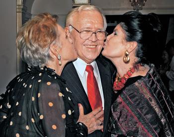 International Photographer Albert Mogzec Dies at 84