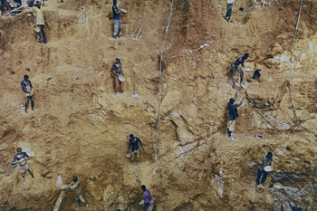African Artists Dig Deep in 'Land as Material and Metaphor'