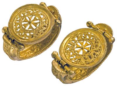 b1.byzantine.benaki.bracelets.story