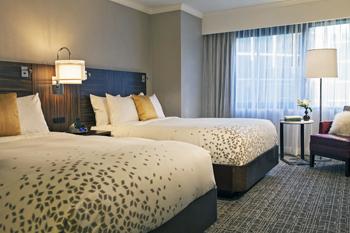 d1.hotels.marriott.guestroom.story