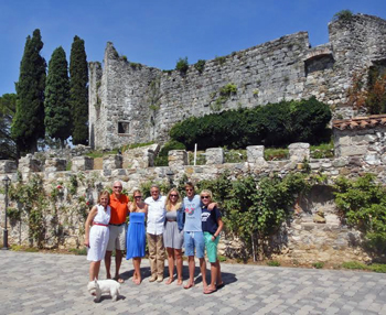 d2.travel.italy.castle.ruins.story