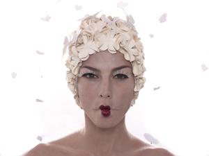 b4.femininity.arias.flower.story