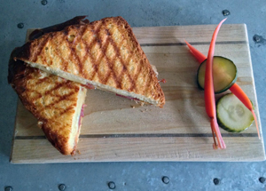 dining.ripple.grilled.cheese.story