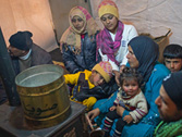 a4.syria.refugees.family.home