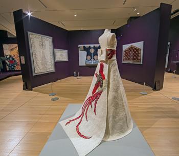 b1.textile.museum.dress.story