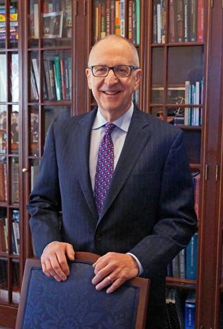 Smithsonian Secretary Touts Institution's International Reach