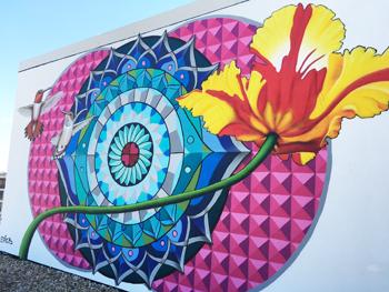 c1.hotels.beacon.mural.story