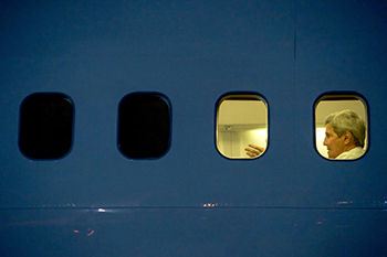 a3.diplomatic.experience.kerry.plane2.story